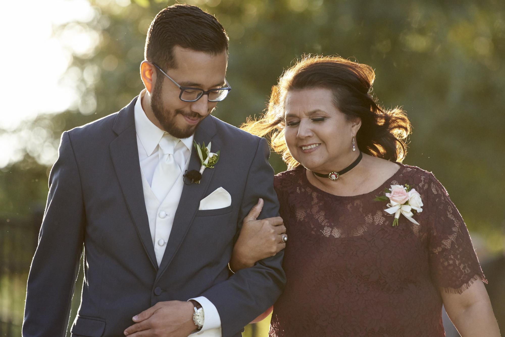 Mom Escorts Sun, Wedding, Memory Lane, Dripping Springs